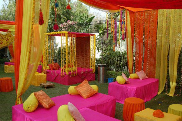 Mehndi-Ceremony-Decoration-Ideas.jpg
